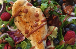 Berry Salad with Grilled Chicken